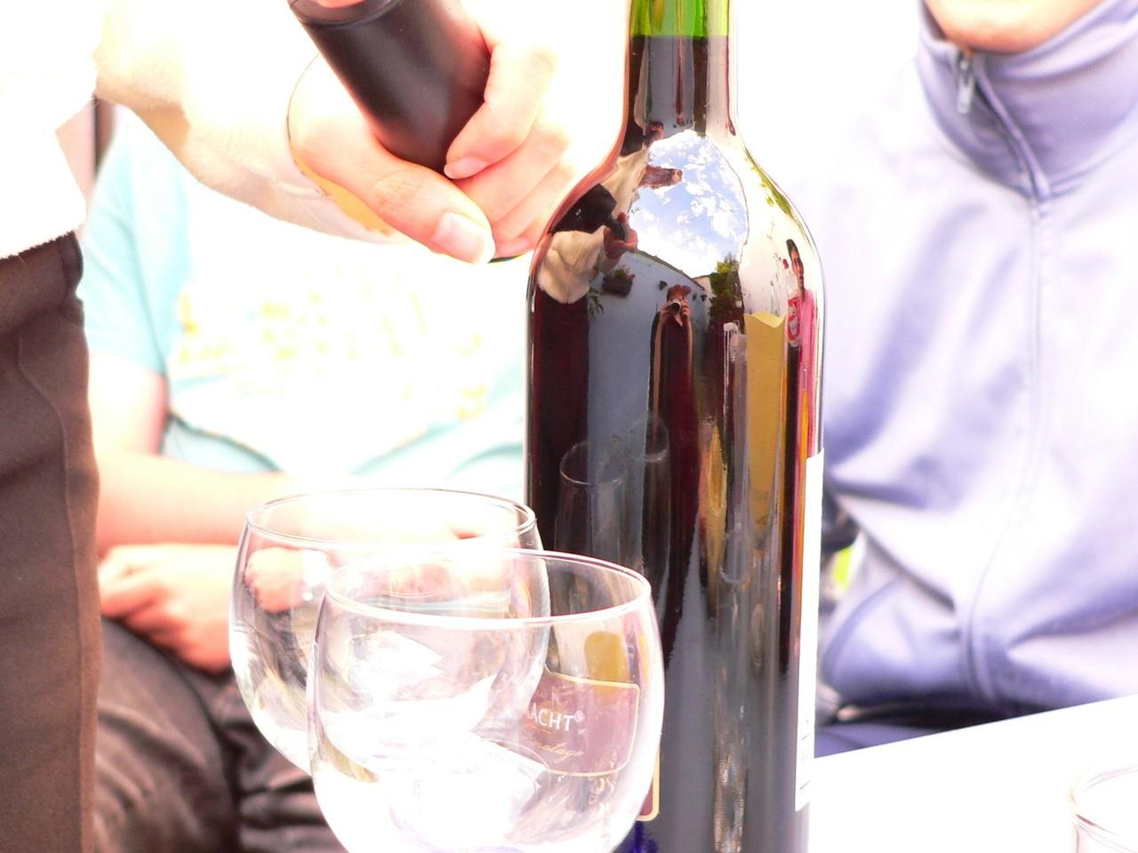 Jak wybrać wino na prezent